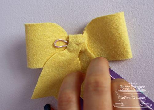 Dec-CC-Banner-Ribbon-Loop-by-AmyR
