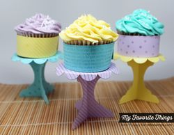 July-Day-6-Cupcake-Stands-1-by-AmyR