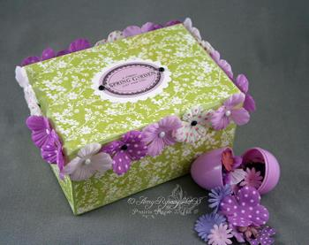Pt_egg_box_with_open_egg_by_amyr