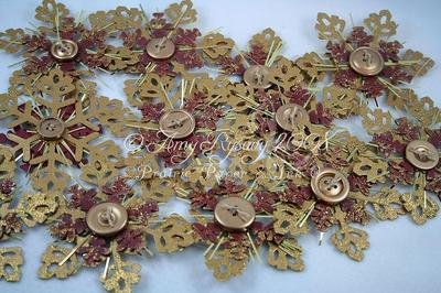 Gold_glitter_snowflake_ornament_gro